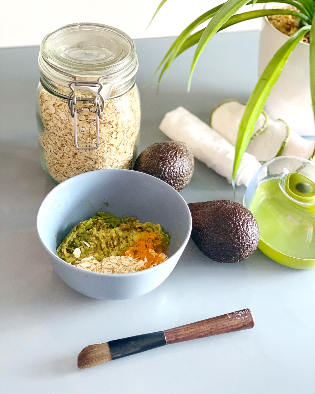 alchemy by amy uk Use up over-ripe fruit and veg - zero waste hair and skin care avocado over ripe banana oranges skin exfoliating moisturising face mask and hair mask toner face mask non toxic clean beauty homemade skin care hair care